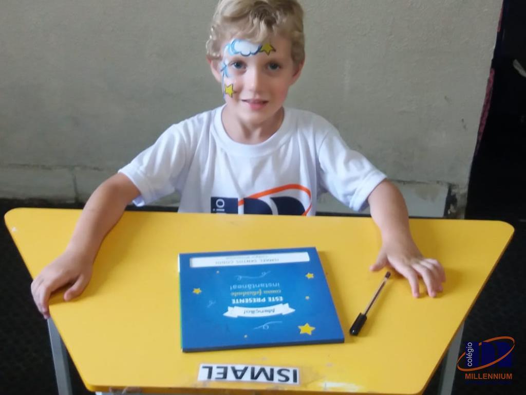 2-noite-magica-de-autografos-no-colegio-millennium-103