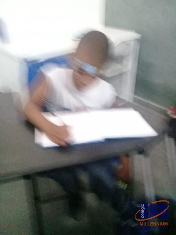 2-noite-magica-de-autografos-no-colegio-millennium-130