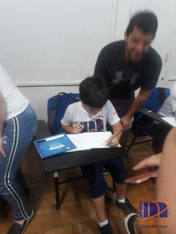 2-noite-magica-de-autografos-no-colegio-millennium-16