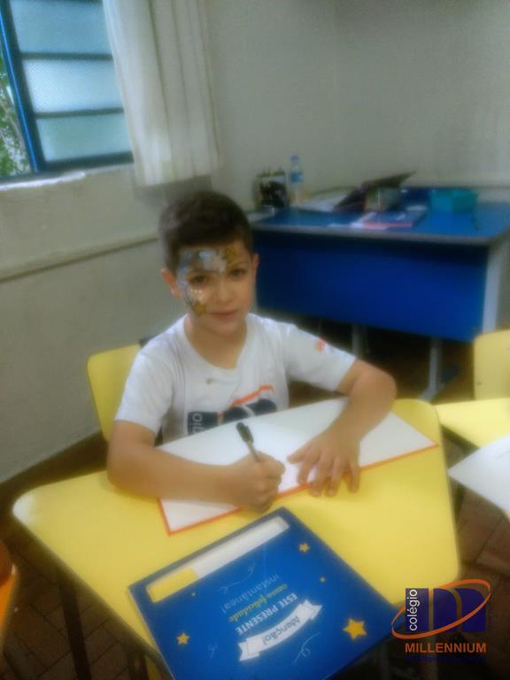 2-noite-magica-de-autografos-no-colegio-millennium-144