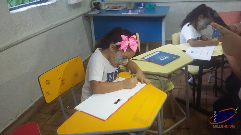2-noite-magica-de-autografos-no-colegio-millennium-157
