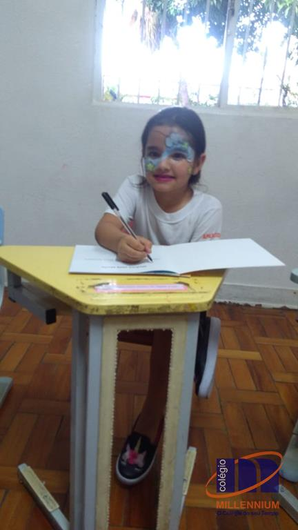 2-noite-magica-de-autografos-no-colegio-millennium-180