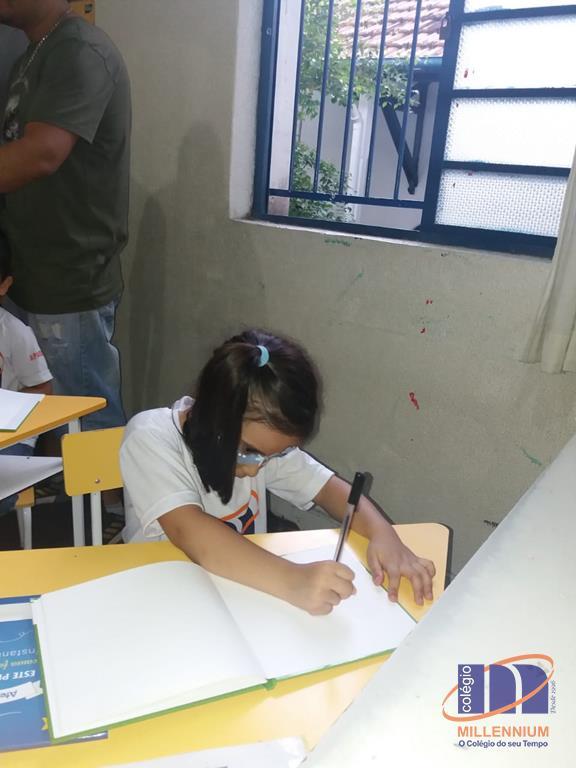 2-noite-magica-de-autografos-no-colegio-millennium-190