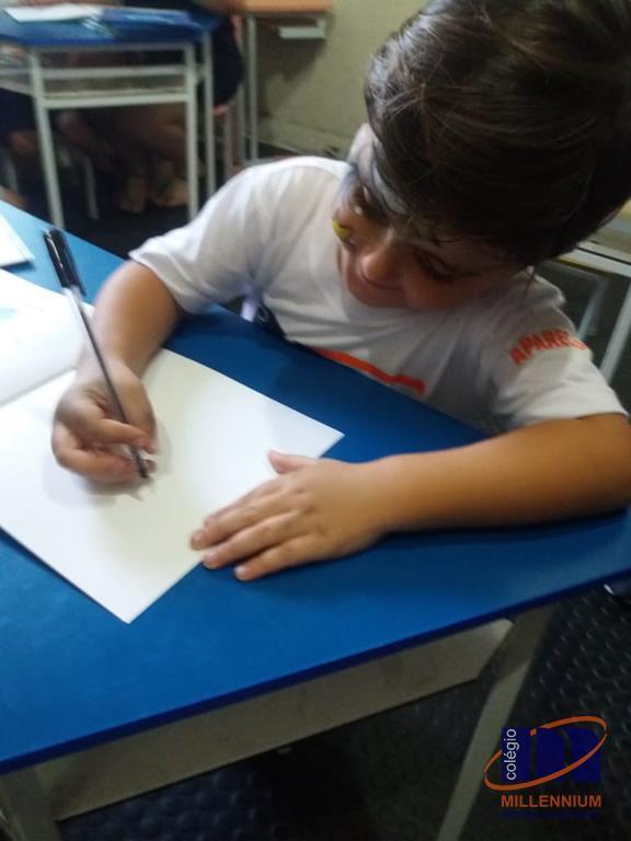 2-noite-magica-de-autografos-no-colegio-millennium-200