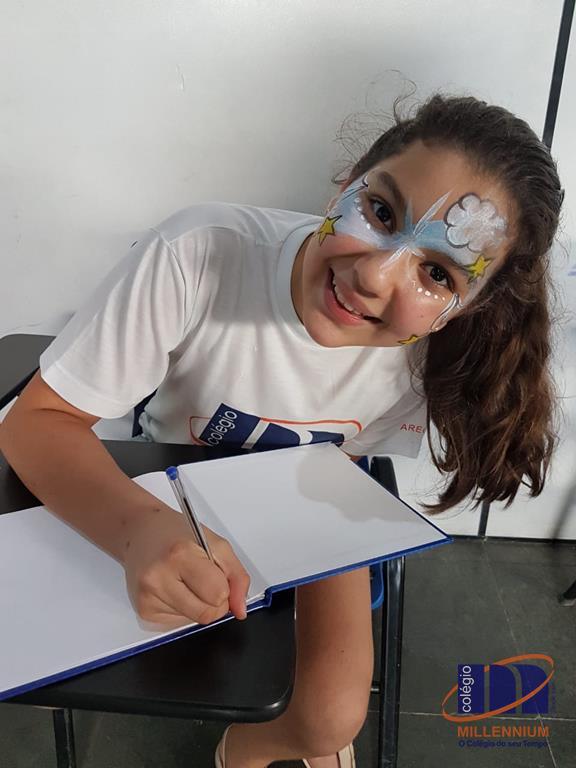 2-noite-magica-de-autografos-no-colegio-millennium-310