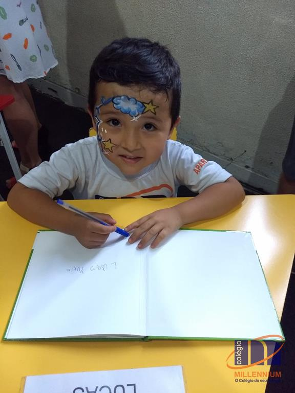 2-noite-magica-de-autografos-no-colegio-millennium-374