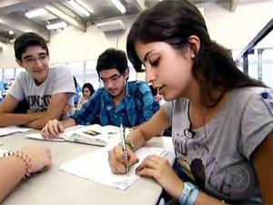Tábata em reportagem do 'Fantástico' exibida no dia 4 de março (Foto: TV Globo/Reprodução)